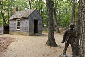 Replica_of_Thoreaus_cabin_near_Walden_Pond_and_his_statueok